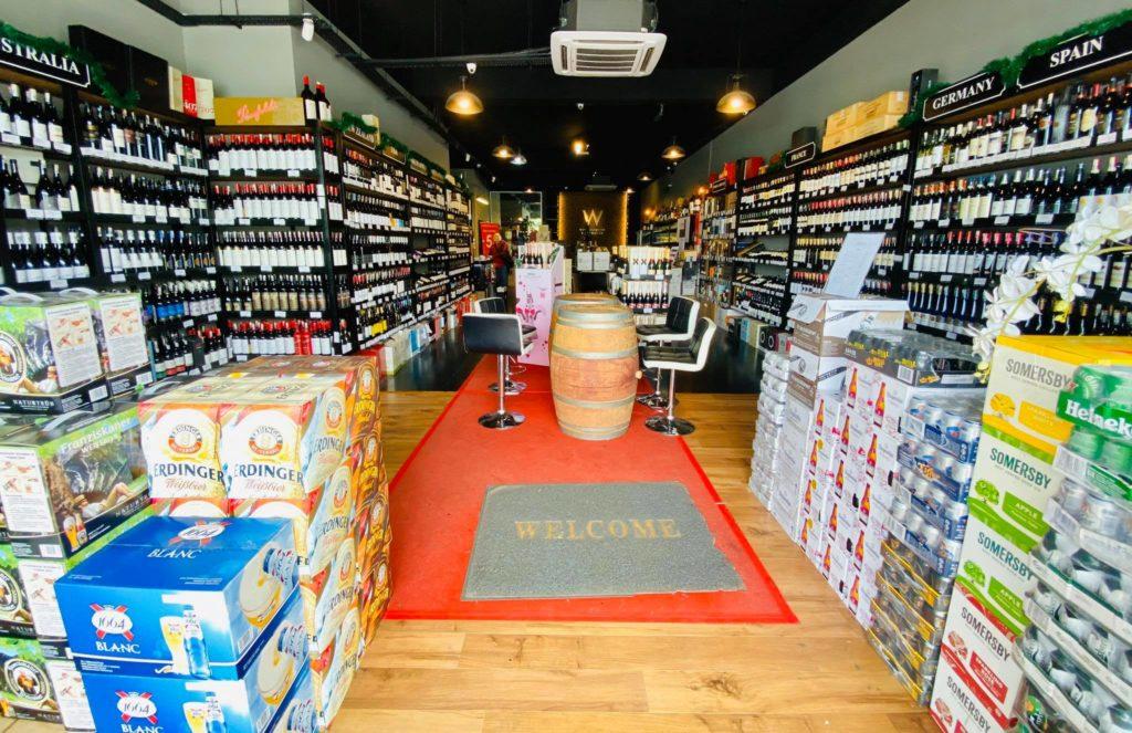 Cửa hàng W Wine and Liquor Warehouse tại Malaysia