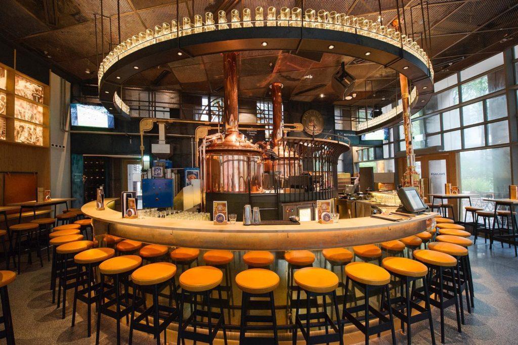 nhà hàng bia đức Paulaner Bräuhaus Singapore, cung cấp dịch vụ giao hàng, bia thủ công