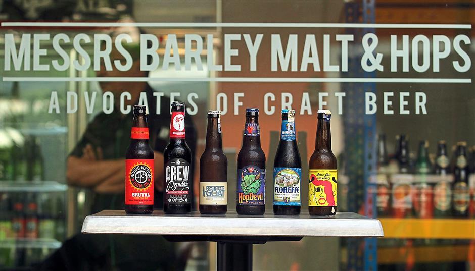 Cửa hàng -  quán bar Messrs Barley, Malt & Hops tại Kuala Lumpur, chai bia thủ công, dịch vụ giao hàng tận nơi